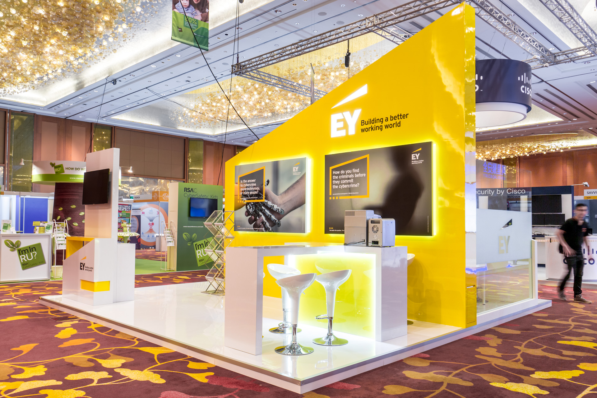 exhibition-stand-design-punktlandung-ey-booth-014